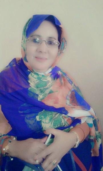 الإعلامية الموريتانية مريم بنت أمود